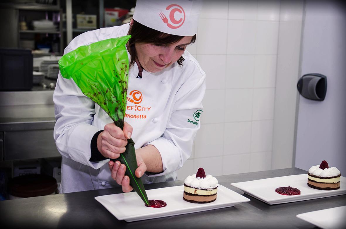 Pasticcieri amatoriali di nuovo al lavoro con gli ultimi due quarti di finale della Cake Edition
