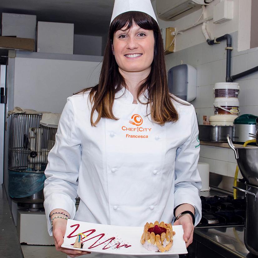 Nel derby pesarese di pasticceria amatoriale  la spunta la farmacista Francesca Tinti