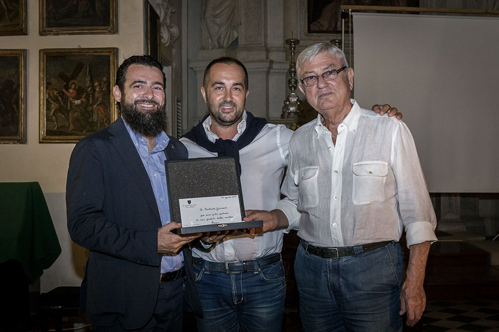 La Confraternita del suffragio ha premiato Umberto Gennari per la sua partecipazione a Chef in the CIty
