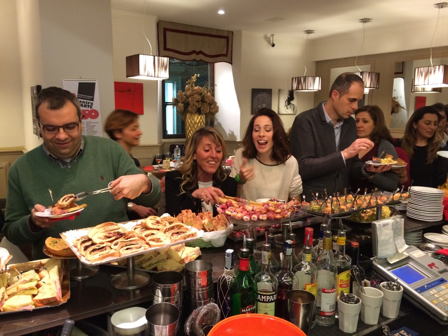 Il pubblico del Caffe' Centrale durante Chef in the City Cake Edition
