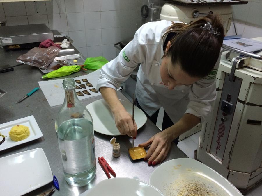 Katia Bortoluzzi mentre prepara il suo Simo
