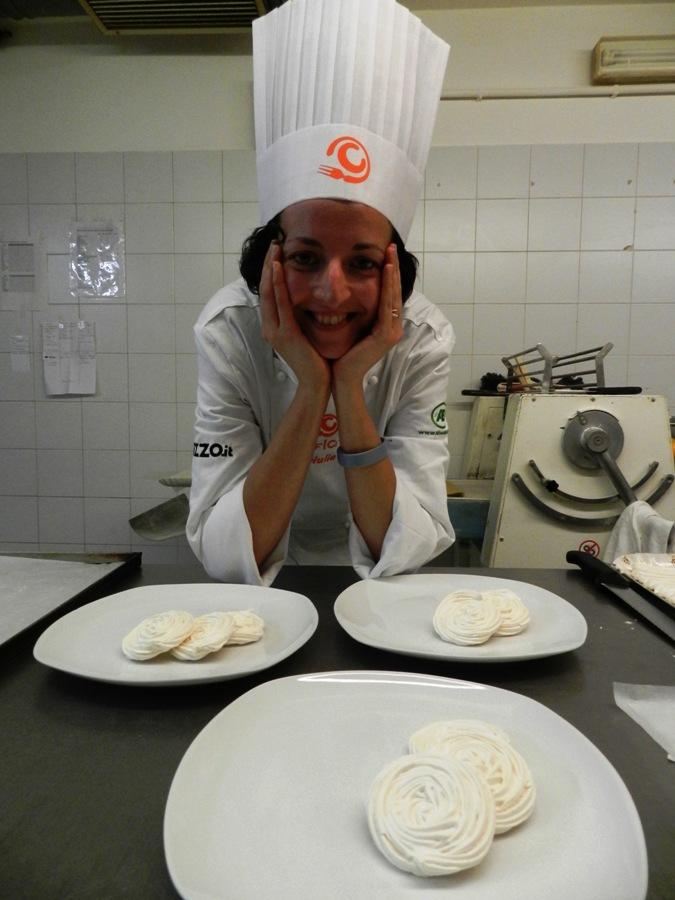 Giulia Borgogelli prepara la sua Meringata... in rosa