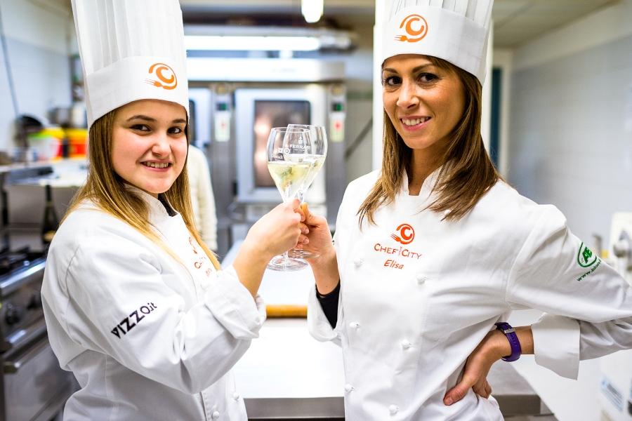 Martina Mascarucci ed Elisa Lenti brindano alla sfida finale